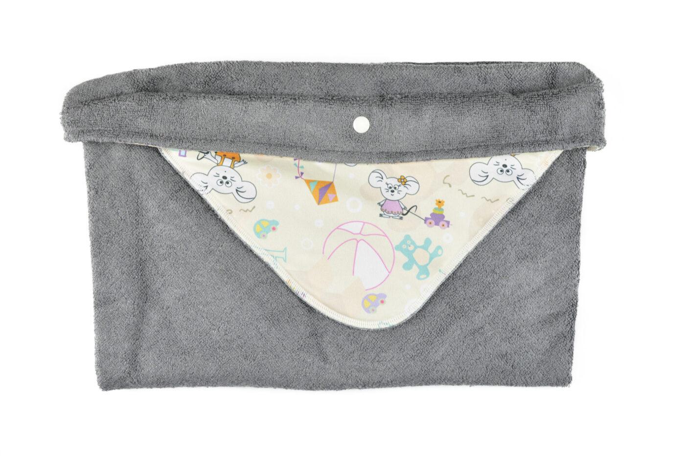 MM 1 1 1400x933 - Ręcznik-szlafrok Kąpielowy (ZABAWKI)