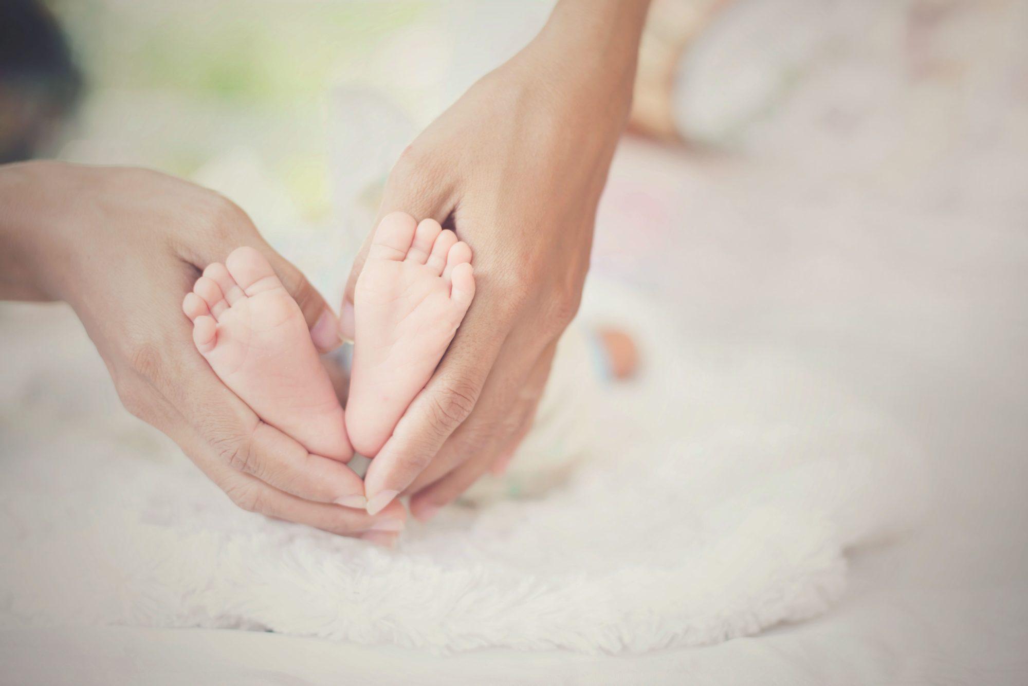 dlonie - Praktyczne porady podczas używania pieluszek Mommy Mouse